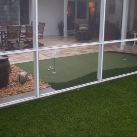 artificial_turf_and_putting_green
