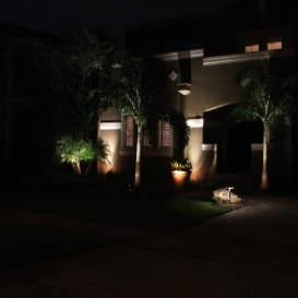 front_yard_lighting