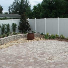 pavers_with_retaining-wall