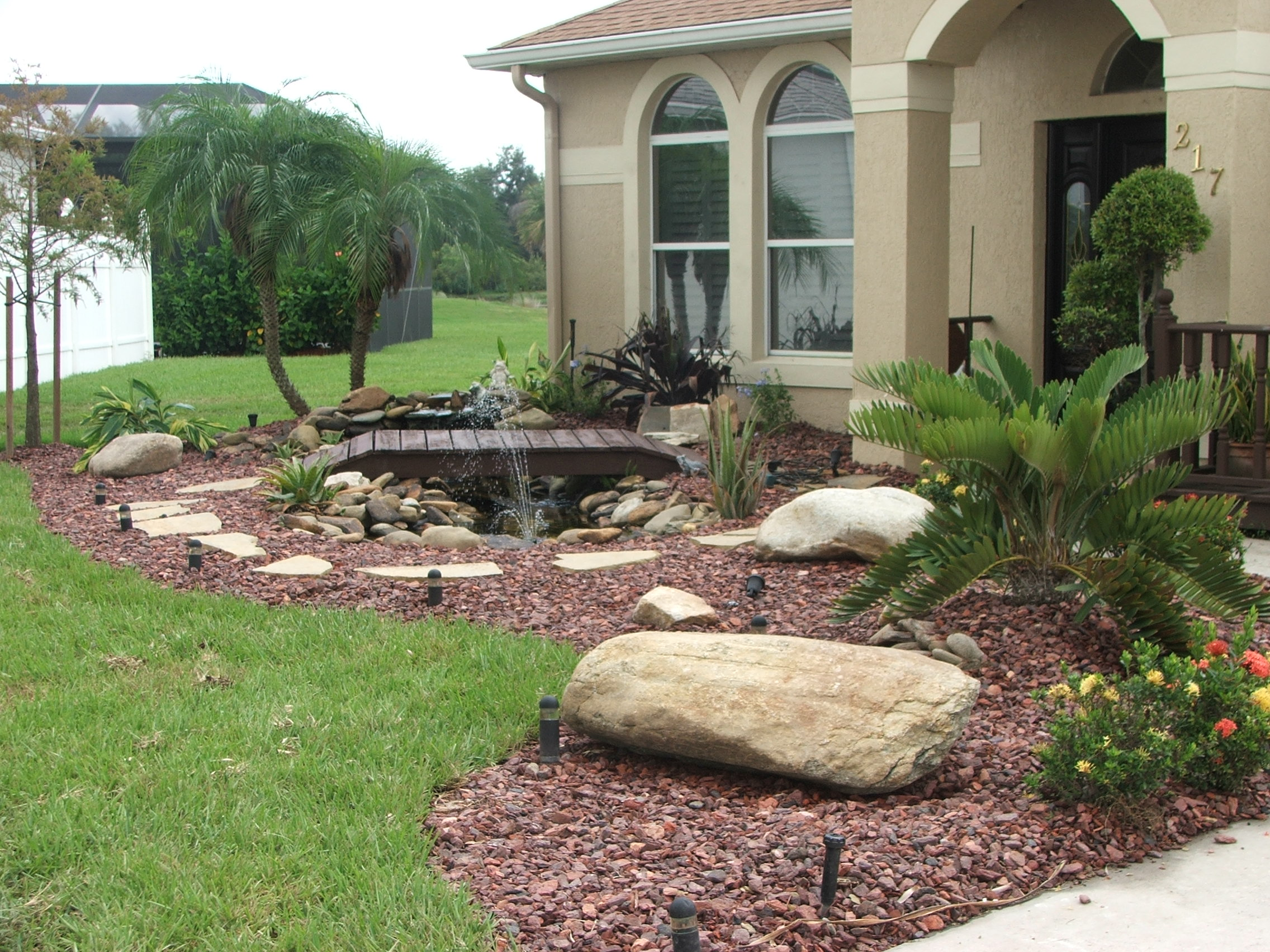The importance of focal points in landscape design john for Landscaping rocks